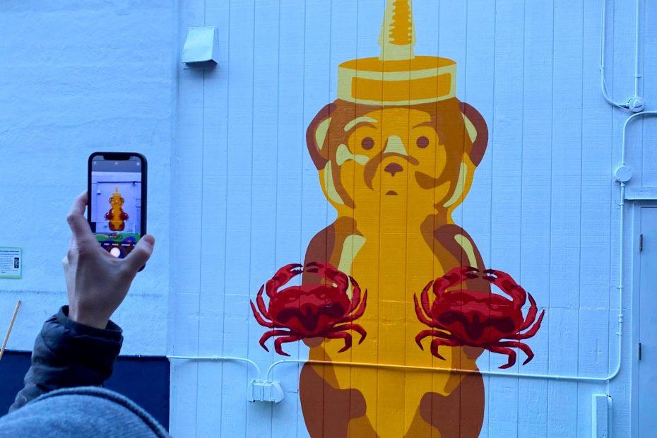 Fnnch Fishermans Wharf Honey Bear Mural