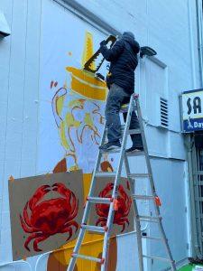 Spray painting Fnnch Fisherman's Wharf Honey Bear Mural